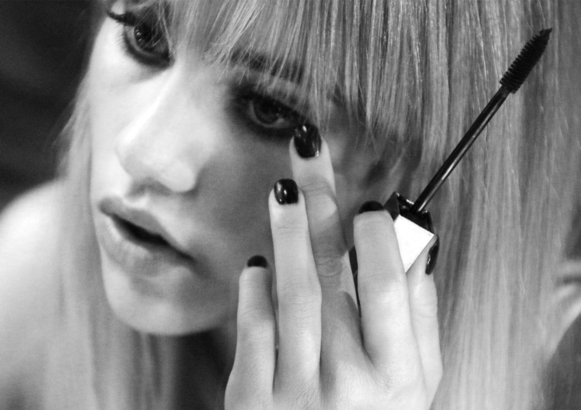 Suki Waterhouse stars in first fragrance campaign for Burberry, FashionBite